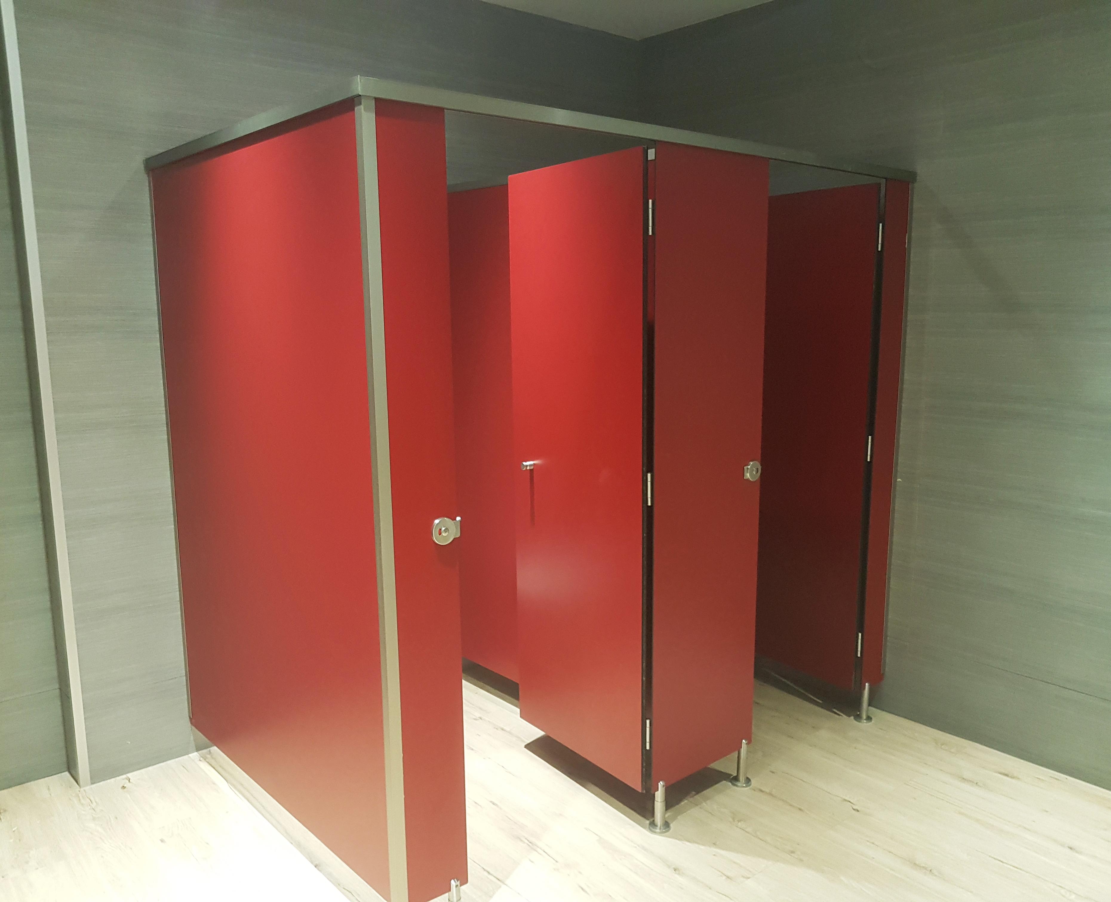 cabinas fenolicas puertas baño mallorca
